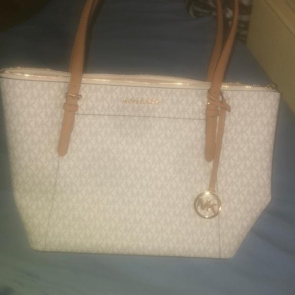 Michael Kors Handbags - Vanilla Michael Kors Purse (BRAND NEW)